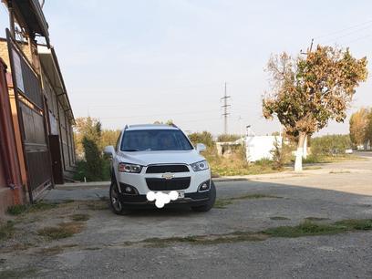 Chevrolet Captiva, 2 pozitsiya 2011 года за ~14 006 у.е. в Bekobod