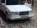 Mercedes-Benz C 180 1993 года за 6 500 у.е. в Urganch