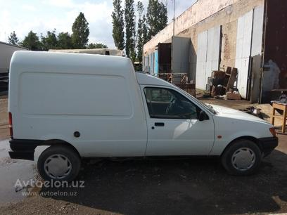 Ford Courier 1995 года за 3 000 y.e. в Ташкент