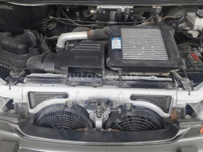 Hyundai  Starex 2004 года за 12 000 y.e. в г. Карши – фото 2