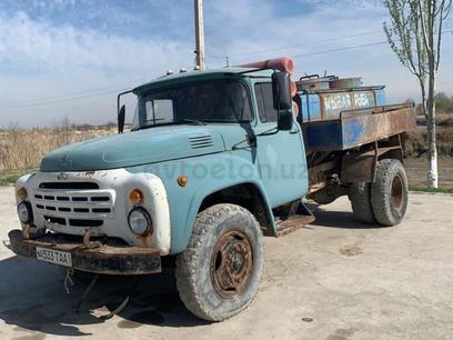 ZiL  Зил 1985 года за 12 000 у.е. в Andijon