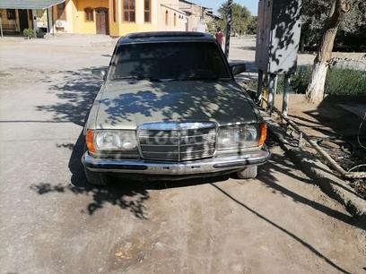 Mercedes-Benz E 300 1981 года за 1 200 y.e. в Хивинский район