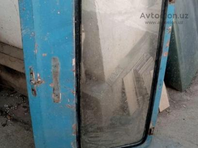 Дверь задняя н ниву с стеклом. Багажник для 2121 за ~19 y.e. в Кибрайский район