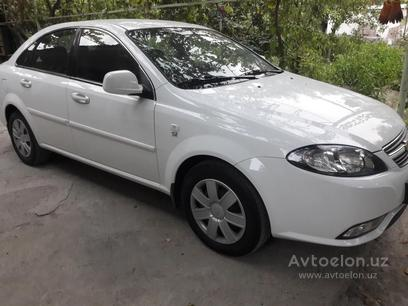 Chevrolet Lacetti, 1 pozitsiya 2019 года за 11 600 у.е. в Andijon