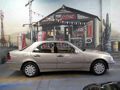 Mercedes-Benz C 180 1996 года за 4 700 y.e. в Наманган