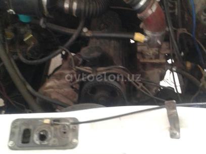 Двигатель форд каробка 5талик за 350 у.е. в Qo'qon