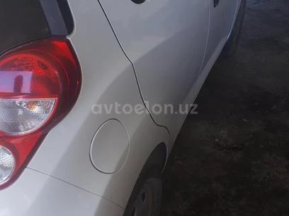 Chevrolet Spark, 1 pozitsiya 2014 года за 4 700 у.е. в Buxoro