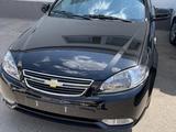Chevrolet Lacetti, 3 позиция 2021 года за 14 800 y.e. в Букинский район