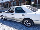 Mercedes-Benz 190 1988 года за 2 800 у.е. в Navoiy