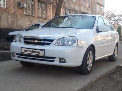 Chevrolet Lacetti, 2 pozitsiya 2011 года за 8 000 у.е. в Olmaliq