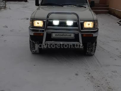 Toyota 4Runner 1995 года за 10 000 y.e. в Кунград