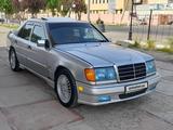 Mercedes-Benz E 300 1991 года за 7 500 у.е. в Samarqand