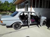 Mercedes-Benz E 230 1983 года за ~2 188 у.е. в Toshloq tumani