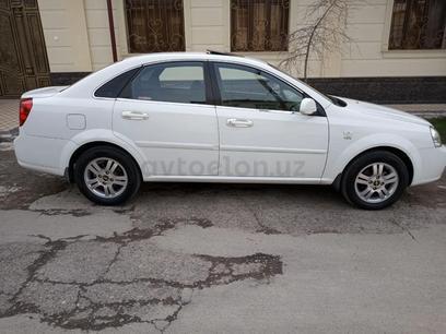 Chevrolet Lacetti, 3 pozitsiya 2010 года за 7 800 у.е. в Toshkent