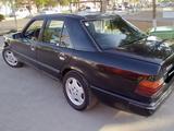 Mercedes-Benz E 230 1986 года за 2 600 у.е. в Toshkent