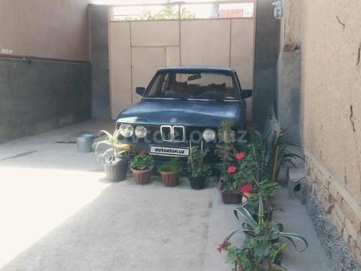 BMW 528 1986 года за 1 800 y.e. в Наманган