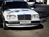 Mercedes-Benz E 200 1985 года за 4 900 у.е. в Farg'ona
