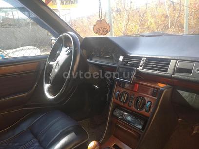 Mercedes-Benz E 300 1992 года за 6 000 y.e. в Куйичирчикский район – фото 11