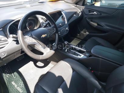 Chevrolet Malibu, 3 pozitsiya 2018 года за 22 000 у.е. в Farg'ona