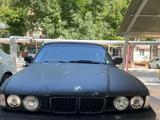 BMW 750 1989 года за 6 000 у.е. в Toshkent