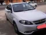 Chevrolet Lacetti, 3 pozitsiya 2015 года за 10 500 у.е. в Qibray tumani