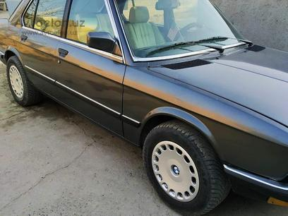 BMW 520 1984 года за 2 800 у.е. в Toshkent – фото 3