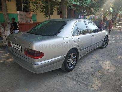 Mercedes-Benz E 240 2000 года за 8 000 y.e. в Зарафшан