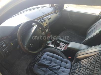 Mercedes-Benz E 240 2000 года за 8 000 y.e. в Зарафшан – фото 3