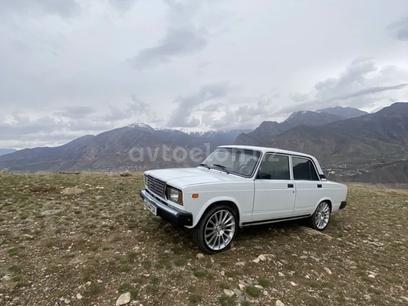 VAZ (Lada) 2107 1983 года за 3 000 у.е. в Toshkent