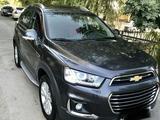 Chevrolet Captiva, 4 позиция 2015 года за 21 000 y.e. в Ташкент