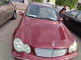 Mercedes-Benz C 240 2001 года за 10 000 у.е. в Toshkent