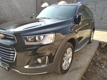 Chevrolet Captiva, 4 позиция 2017 года за 25 000 y.e. в Ташкент