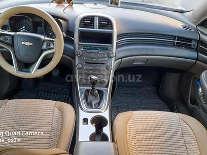 Chevrolet Malibu, 1 pozitsiya 2014 года за 13 000 у.е. в Navoiy – фото 3