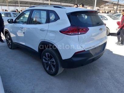 Chevrolet Tracker, 2 pozitsiya 2021 года за ~24 741 у.е. в Urganch