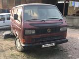 Volkswagen Caravelle 1986 года за 1 800 у.е. в Angren