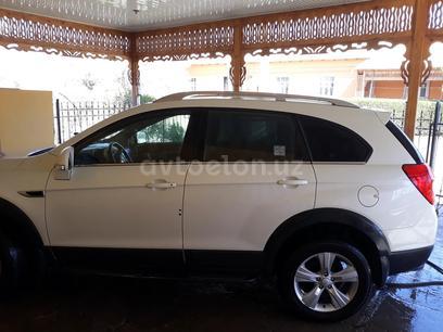 Chevrolet Captiva, 2 pozitsiya 2011 года за 15 000 у.е. в Gurlan tumani