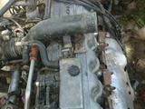 Двигатель с коробкой передачи, шесть целиндр (ряд), инжектор за 500 y.e. в Кумкурганский район