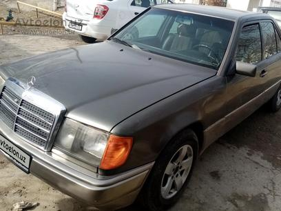 Mercedes-Benz E 200 1992 года за 5 500 у.е. в Buxoro