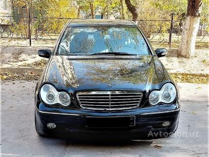 Mercedes-Benz C 200 2001 года за 12 000 у.е. в Toshkent