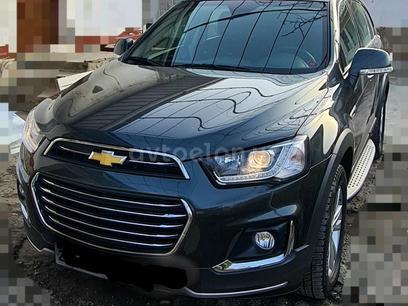 Chevrolet Captiva, 4 позиция 2018 года за 24 000 y.e. в Джизак