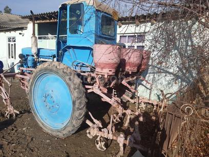 Agromehanika  Traktor 1980 года за ~4 285 y.e. в Китабский район