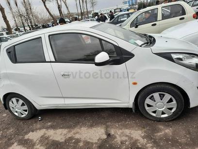 Chevrolet Spark, 2 pozitsiya 2011 года за 4 700 у.е. в Guliston