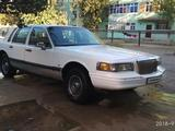 Lincoln Town Car 1990 года за 5 000 y.e. в Карши