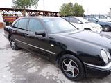 Mercedes-Benz E 200 1997 года за ~5 692 у.е. в Farg'ona