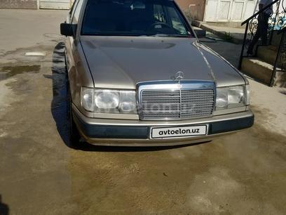 Mercedes-Benz E 200 1985 года за 6 500 у.е. в Farg'ona