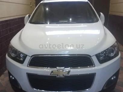 Chevrolet Captiva, 3 позиция 2016 года за 19 000 y.e. в Наманган