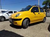 Chevrolet Matiz, 2 pozitsiya 2004 года за ~2 466 у.е. в Shofirkon tumani