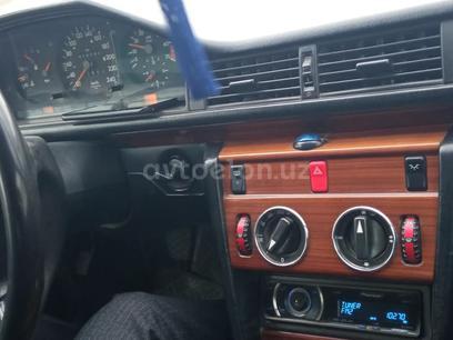 Mercedes-Benz E 200 1994 года за 6 870 у.е. в Namangan
