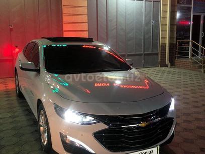 Chevrolet Malibu, 3 pozitsiya 2020 года за 29 000 у.е. в Namangan