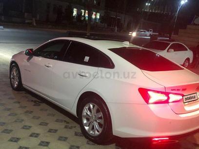 Chevrolet Malibu, 3 pozitsiya 2020 года за 29 000 у.е. в Namangan – фото 3